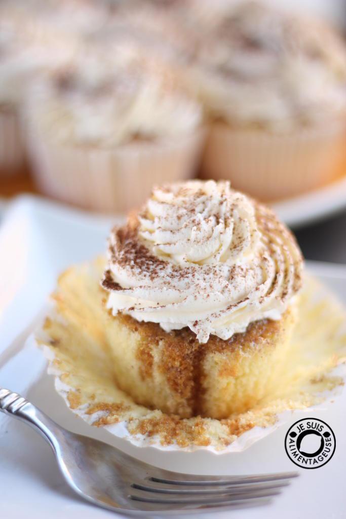 Tiramisu Cupcakes - The Viet VeganTiramisu Cupcakes With Mascarpone Cream