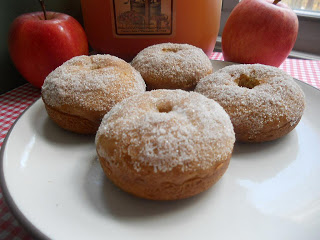 Hezzi-Ds-Books-and-cooks-Baked-Apple-Cider-Donuts