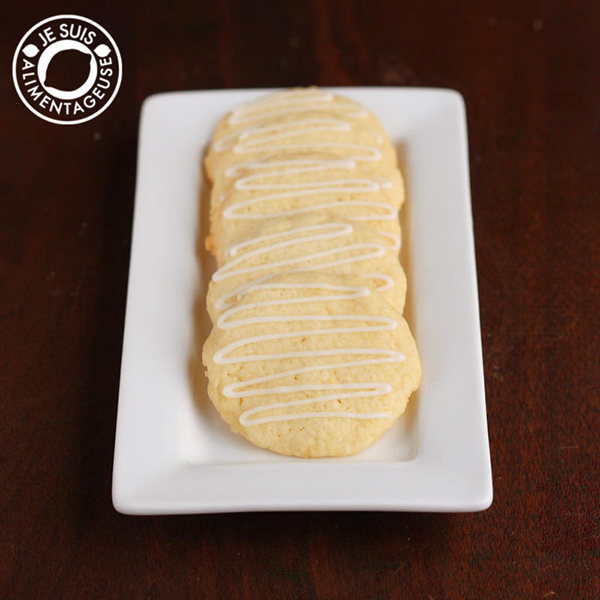 Lemon Crisps - Crispy little sugar cookies with a light, lemony kick! #lemon #cookies #dessert #alimentageuse