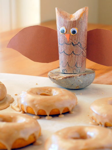 free-eats-food-pumpkin-doughnuts-with-maple-cinnamon-glaze