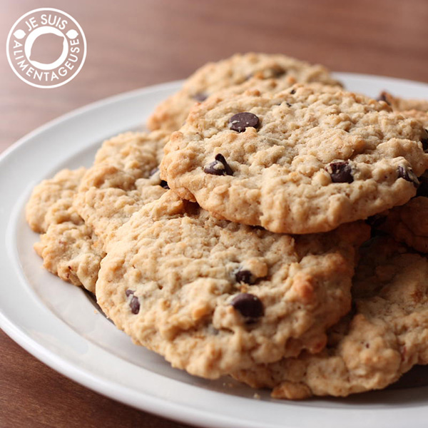 The chewiest oatmeal chocolate chip cookies you'll ever have from ...