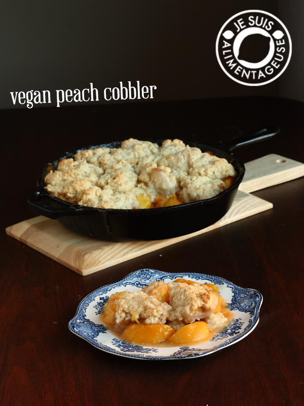 Vegan Peach Cobbler | alimentageuse.com #peach #cobbler #summer #vegan