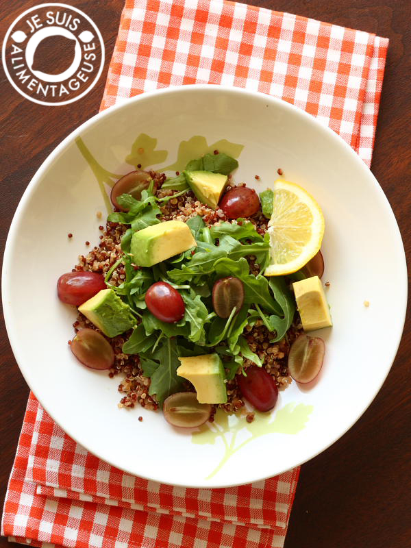Quinoa and Arugula Salad Bowl | A great source of fibre, protein, and vitamins and is great for a quick lunch! | alimentageuse.com #lunch #vegan #quinoa #arugula