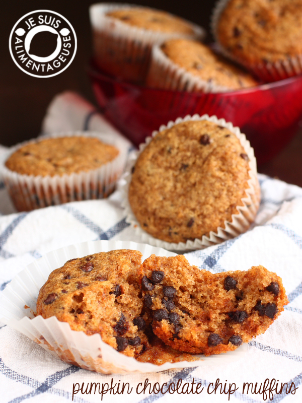 Pumpkin Chocolate Chip Muffins | alimentageuse.com #pumpkin #fall #chocolate #vegan