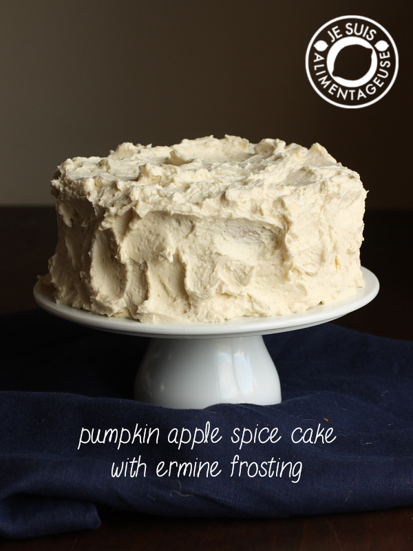 Pumpkin Apple Spice Cake with Ermine Frosting | alimentageuse.com | #pumpkin #spice #fall #vegan