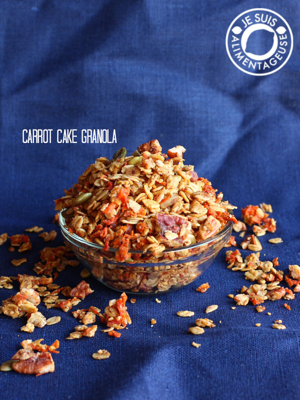 Carrot Cake Granola - Makes a great gift! | alimentageuse.com #vegan #carrotcake #granola #breakfast #fall #gift