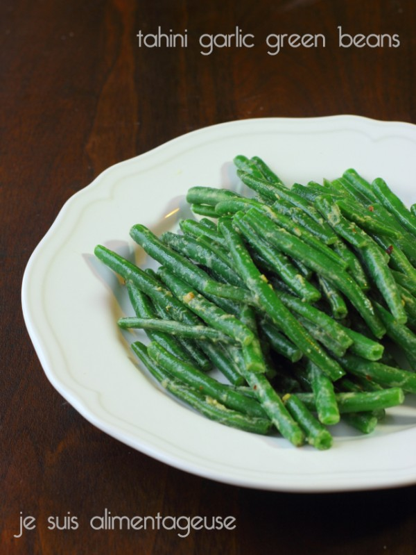 Crunchy and bright tahini garlic green beans |alimentageuse.com #vegan #green #healthy