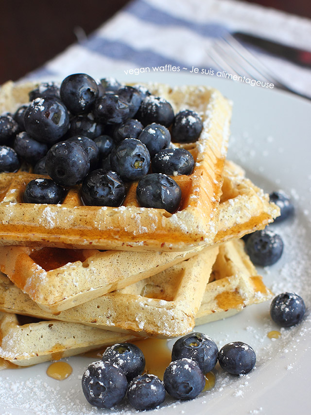 Fluffy and crisp vegan waffles that'll make your loved ones swoon as you pull this out for breakfast. #vegan #healthy #breakfast #blueberries