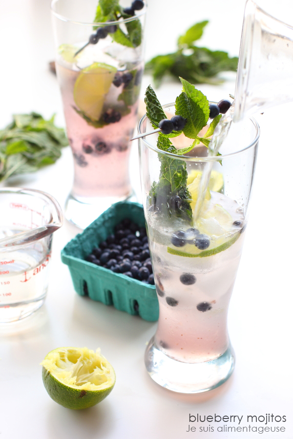 blueberry-mojito-pouring-2-w