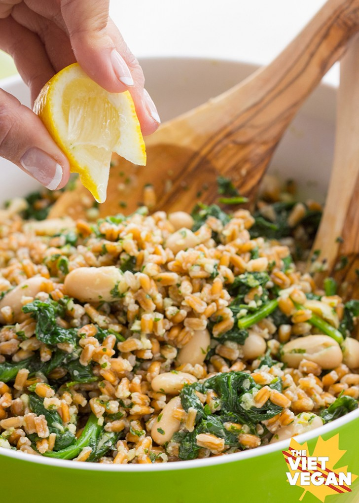 Farro, Cannellini Bean, and Parsley Pesto Salad
