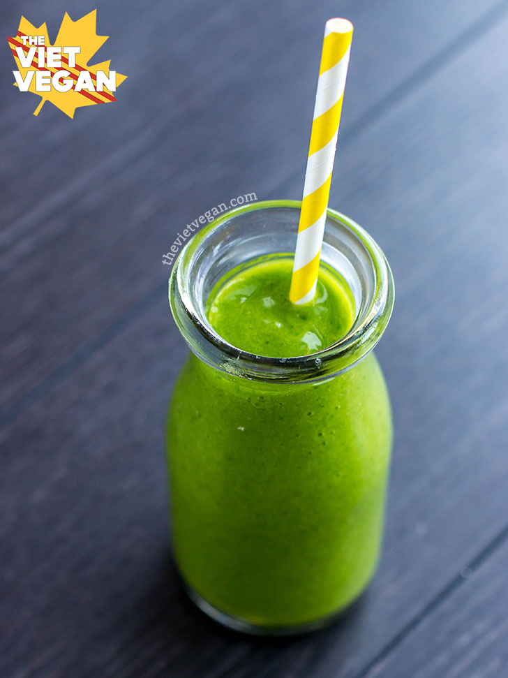 Easy, Creamy, Green Smoothie   The Viet Vegan   Superstart your day with greens and plant-based goodness!