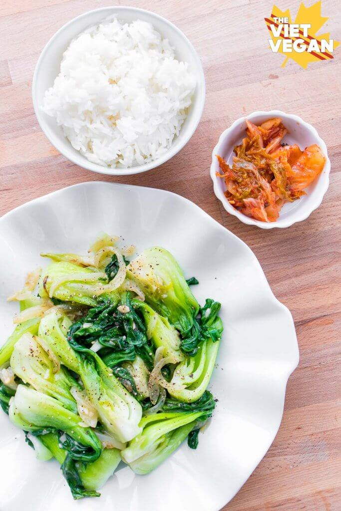 Garlic Bok Choy | The Viet Vegan | One of my favourite ways to eat bok choy :)