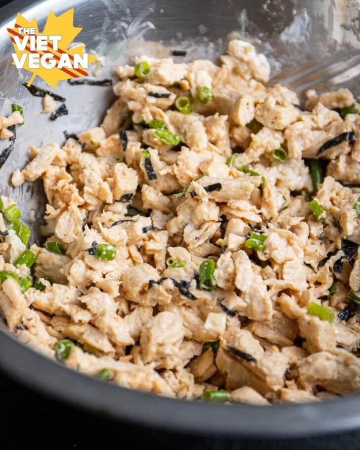 vegan chicken salad mixture