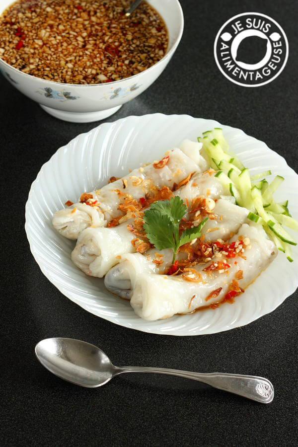 Banh cuon chay - Vietnamese Vegetarian Stuffed Rice Rolls