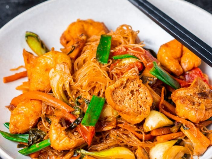tom yum fried vermicelli noodles